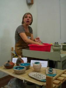 Daniela-lavora-al-tornio